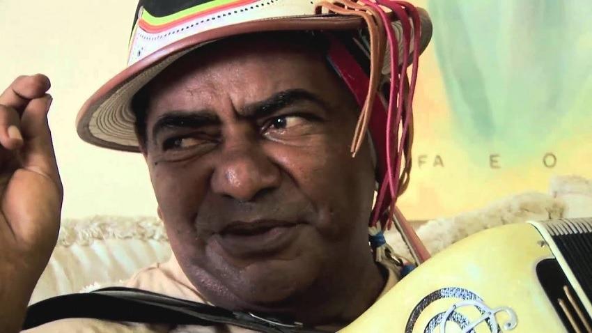 Internado há vários meses, estado de saúde de Pinto do Acordeon é grave e familiares pedem orações